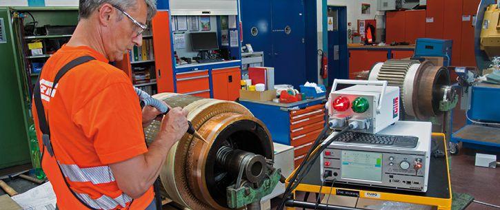SCHLEICH_MTC2_Motorreparatur_manuelle Prüfung am Rotor